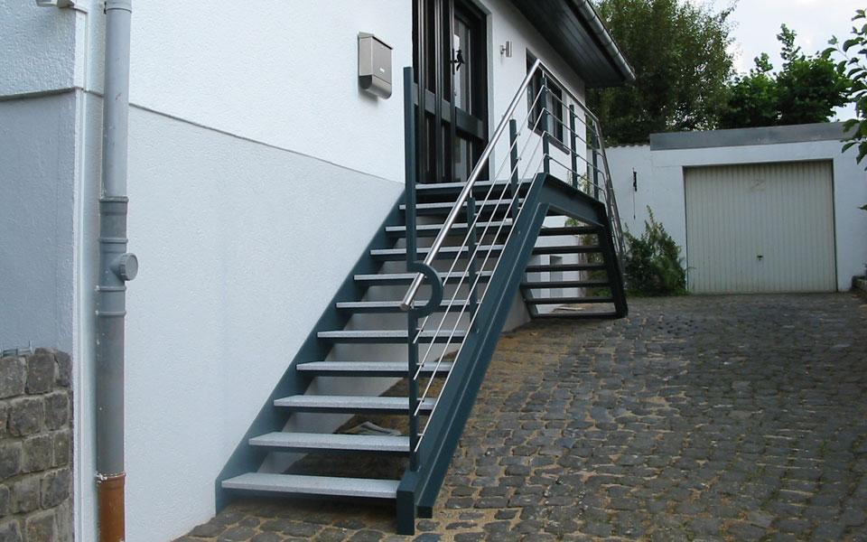 metallbau latour h ckelhoven leistungen. Black Bedroom Furniture Sets. Home Design Ideas